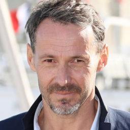 Julien Boisselier - (Arnaud Berthou)