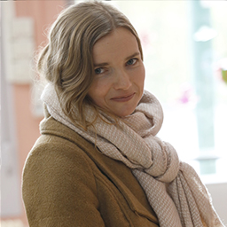 Sophie Quinton - (Amanda Moulin)