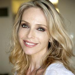 Tonya Kinzinger  - (Janet)